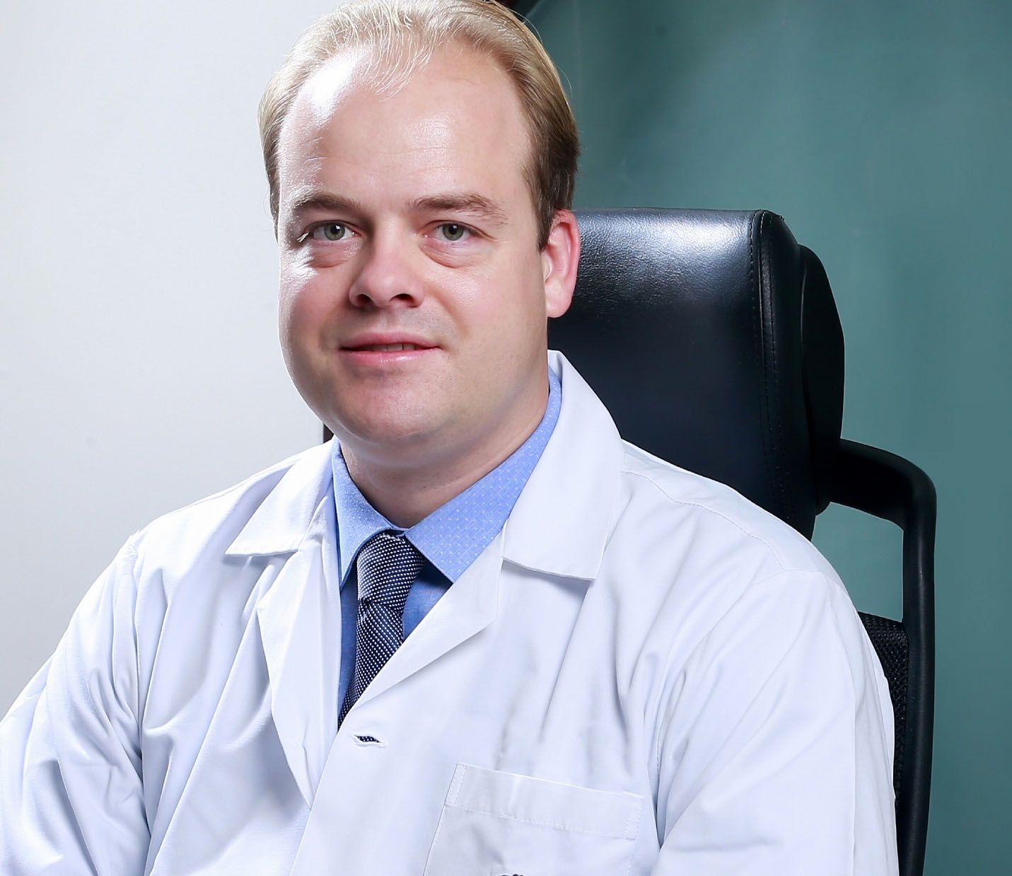Dr. Martain Loonen- Medical Doctor and General Manager