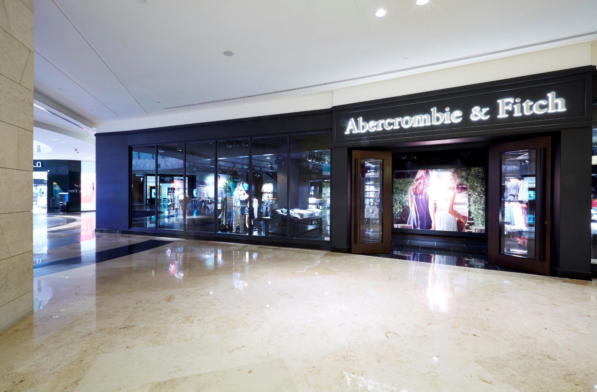 abercrombie and fitch international expansion Us teen apparel retailer abercrombie & fitch (anf  plans to speed up its  expansion in more profitable markets overseas, sending shares up.