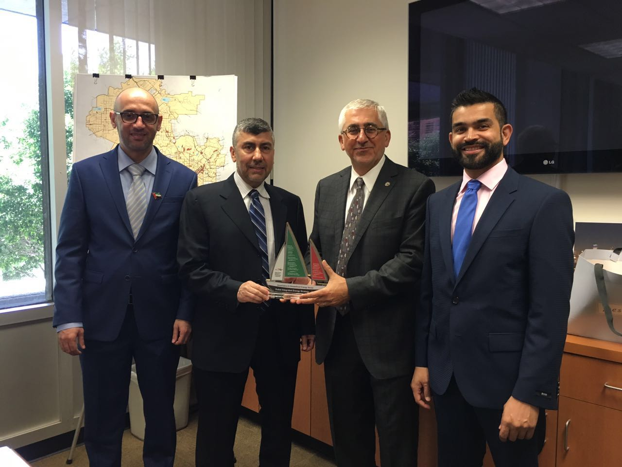Delegation from Dubai Supreme Council of Energy and RTA visits Los Angeles Bureau of Street Lighting