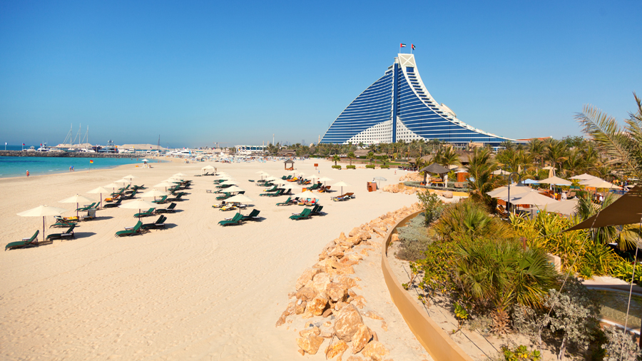 Excellent places to stay on your trip to dubai 39 s beaches for Places to stay in dubai