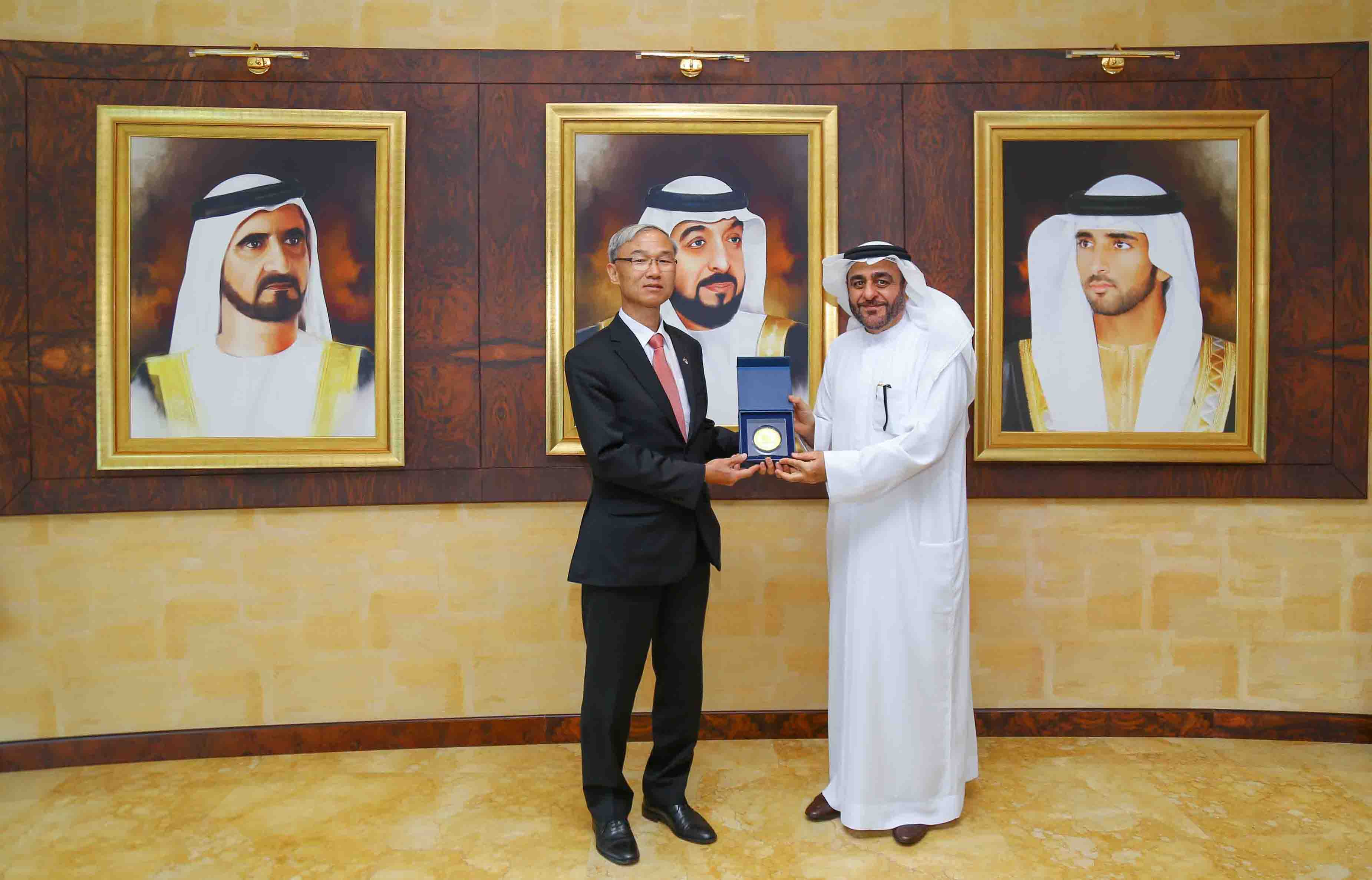High-level South Korean delegates led by Consul General visit Hamdan Bin Mohammed Smart University