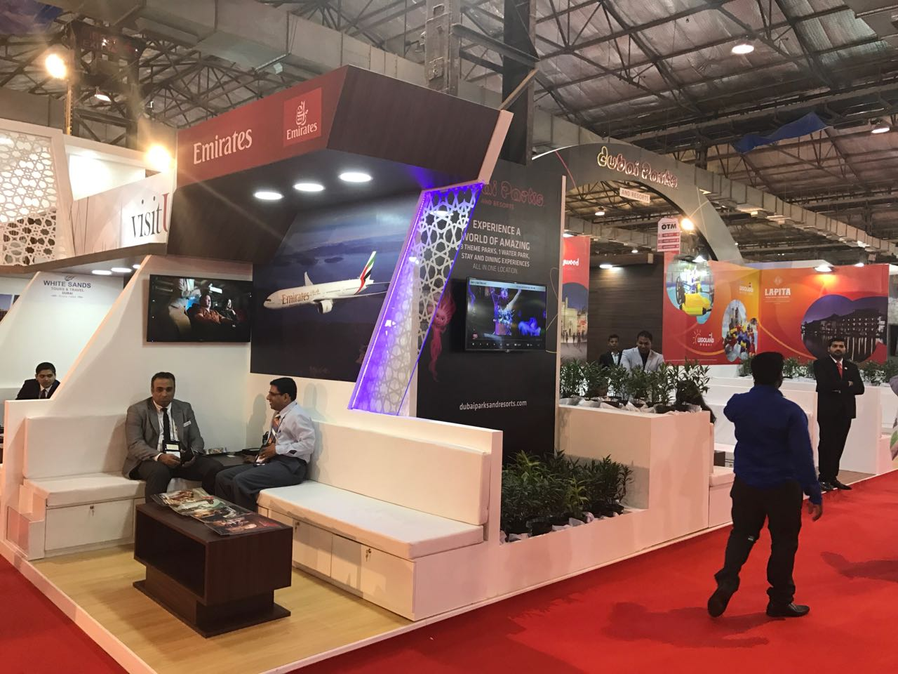 UAE Promotes Landmarks and Tourist Services at OTM Exhibition in India
