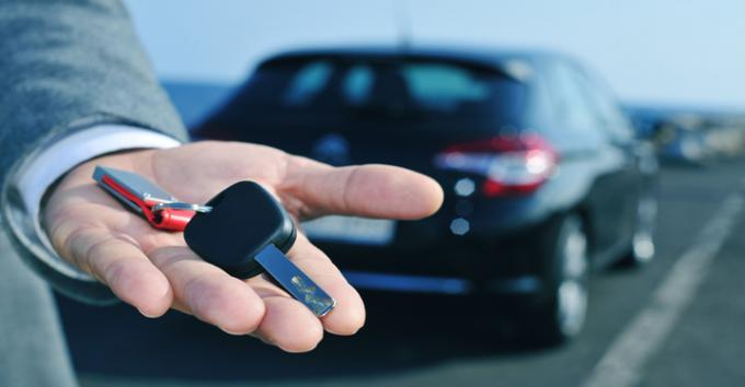 Car Rental In Dubai City - Important Driving Tips For First Time Drivers