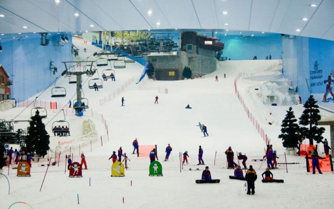 Ski Dubai at Mall of the Emirates   Dubai Mall vs Mall of the Emirates   The Vacation Builder