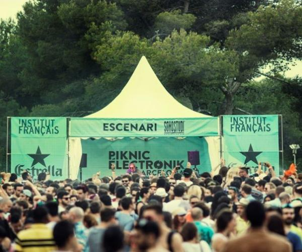 Piknic Electronik Dubai (April Edition)- Piknic Electronik is an internationally renowned brand of family-friendly daytime electronic music festivals.