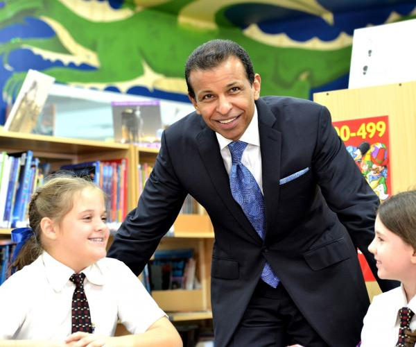 Sunny Varkey Commits AED5 million to UAE Committee for Relief and Rehabilitation Work in His Home-state of Kerala