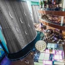 The waterfall at Dubai Mall