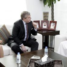 Ministry of Health meets with French delegates to establish joint cooperation in medical field