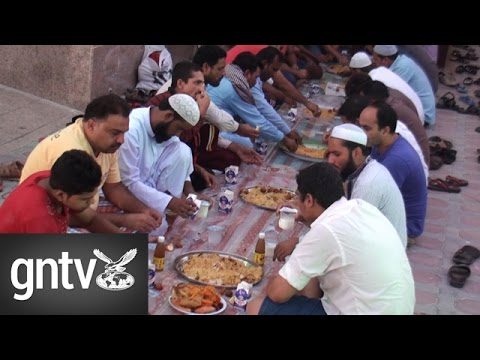 Embedded thumbnail for Al Baraha Mosque in Dubai holds free daily Iftar